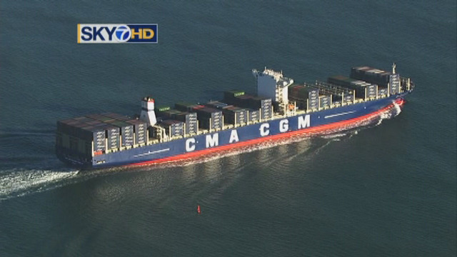 Largest cargo ship ever to visit US arrives in Oakland