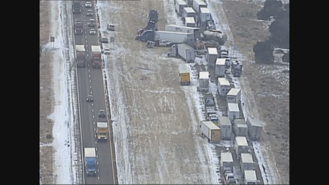 New Mexico State Police: Multiple crashes close I-40 stretch
