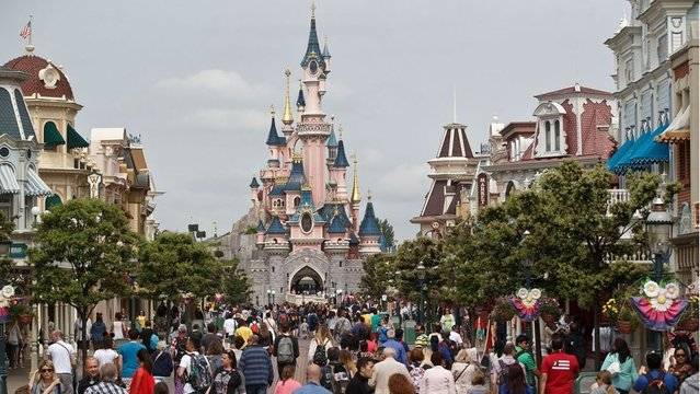 Disneyland tower suggested as Legionnaires' disease source
