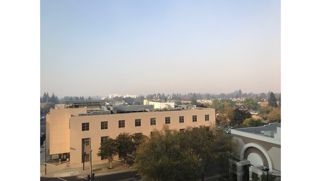 Smoke from Camp Fire pours into Bay Area