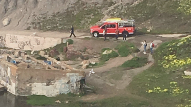Crews rescue man stranded on rocks near Cliff House