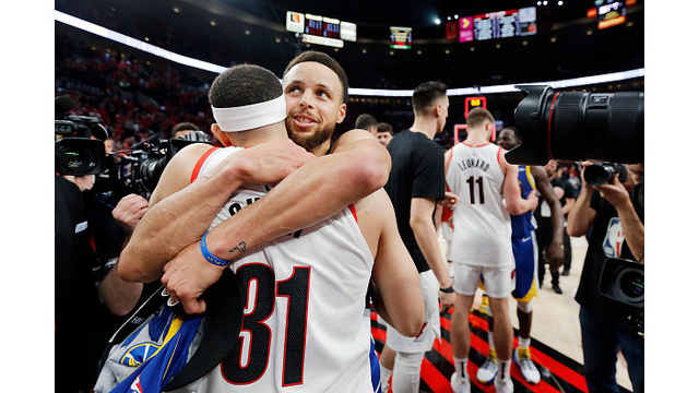 Here's Steph Curry's message to younger brother Seth after Game 4